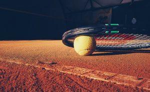 tennispallo ja maila